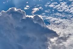 pousses toi j'arrive pas a briller (rondoudou87) Tags: nuage cloud light lumire blue bleu blanc white sky ciel pentax k1 natur nature