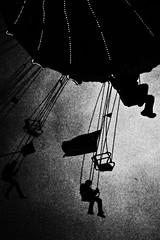 (formwandlah) Tags: kaiserslautern kettenkarussell jahrmakrt kerwe vergnügungsmarkt riesenrad street photography streetphotography silhouette silhouettes silhouetten dark mysteriös mysterious strange skary gloomy melancholic melancholisch noir urban candid city abstrakt abstract skurril bizarr sureal dunkel darkness light bw blackwhite black white sw monochrom high contrast ricoh gr pentax formwandlah thorsten prinz einfarbig surreal