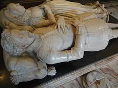 ca. 1615-1618 - 'Sir Moyle Finch (+1614) and Lady Elizabeth (+1634)' (Nicholas Stone), St. Mary's Church, Eastwell, Kent, V&A, London, England (Roel Renmans) Tags: 1615 1618 1623 1624 sir moyle finch lady elizabeth winchilsea countess nicholas stone st marys church eastwell kent england victoria albert museum va london effigy tomb monument armor armour armure armadura armatura rstung harnisch gisant grabmal grabdenkmal grafmonument sepulcro marble alabaster jacobean stuart fashion harnas english