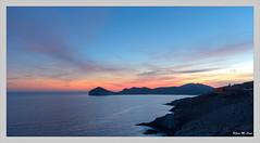 Acaba otro día... (Jose Manuel Cano) Tags: almería sanjosé cabodegata nikond5100 mar sea costa seafront puestadesol sunset azul blue