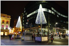 Royal Exchangs Square Christmas Lights (Ben.Allison36) Tags: royal exchangs square christmas lights glasgow scotland night shot dukeofwellington statue cone hand held