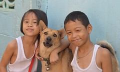 brother and sister with their dog (the foreign photographer - ) Tags: children brother sister dog khlong thanon portraits bangkhen bangkok thailand nikon d3200