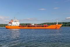 Smeraldo (maritime.fotos) Tags: smeraldo tanker chemikalienlproduktetanker kiel kielfalckenstein falckenstein kielerfrde red italian finbeta ancona