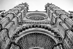 Cathedral of Santa Maria of Palma (September 2015 #1) (Lazlo Woodbine) Tags: blackandwhite bw holiday art history church monochrome architecture mono blackwhite spain cathedral pentax religion gothic perspective september 1855mm mallorca palma hdr majorca 2015 photomatix dynamicphotohdr