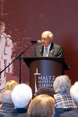 Milton Maltz addresses the crowd