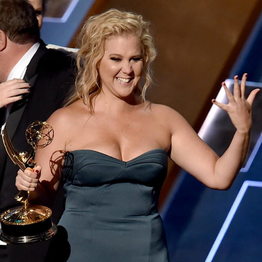 Maquillajes Emmys Amy-Schumer
