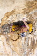 The crux clip (Vertical Planar - planars.wordpress.com) Tags: girl athens climbing limestone tufa attica sportclimbing hymettos ymittos koropi     vrachokipos   athensclimbingguidebook