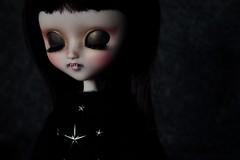 ~ Petite Vampire ~ (Loony-Doll) Tags: eyes doll ebay eyelashes vampire makeup full mio groove pullip blythe kit etsy custom fc custo poupe eyechips customise makeitown