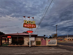 Sands motel office - vacancy - high speed internet  (Nicolas) Tags: usa route66 america motel vintage sign cloud sky nicolasthomas office grants newmexico