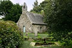 Chapelle de Prad Paol - Plouguerneau (FINISTERE) FRANCE (Bernard P.) Tags: bretagne france chapelle fontaine pierre granite finistre nikon