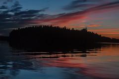 IMG_1862-1 (Andre56154) Tags: schweden sweden sverige sky himmel wolke cloud sonnenuntergang sunset abendrot afterglow dmmerung dawn ozean ocean meer sea wasser water schren archipelago ufer kste coast spiegelung reflexion reflection