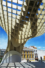 Sous le Metropol Parasol, Sevilla, Andalucia, Espana (claude lina) Tags: claudelina espana spain espagne andalucia andalousie ville town city sevilla sville architecture metropolparasol