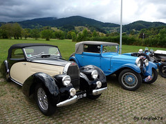 Bugatti Type 57C Aravis Letourneur & Marchand 1939 et type 44 Cabriolet Gangloff 1929 (fangio678) Tags: festival bugatti molsheim 18 09 2016 voituresanciennes ancienne collection cars classic coche oldtimer youngtimer french francaise type 57 bw510mb 57c aravis letourneur marchand 44 cabriolet gangloff 1929