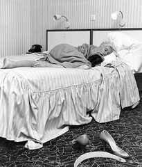 Jayne Mansfield (poedievanlaar) Tags: jayne mansfield amsterdam amstel hotel dutch netherlands holland actress old hollywood sex symbol nederland kamer room bezoek visit bed