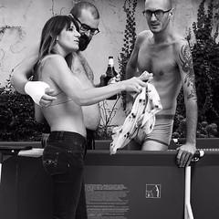 IMG-20160918-WA0031 (www.emanuelaterraneo.com) Tags: estate piscina amici friends bn bianco e nero open allaperto