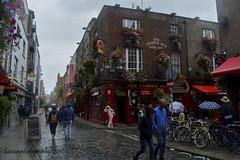 Temple Bar (benito.anon) Tags: temple bar dublin ireland irlanda pub rain lluvia irish irlandes guinness cerveza beer