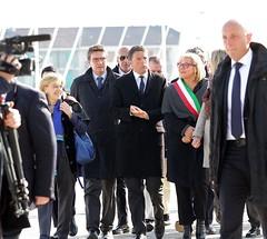Matteo Renzi durante la sua visita ad Alessandria sul ponte Meier e alla Cittadella 3
