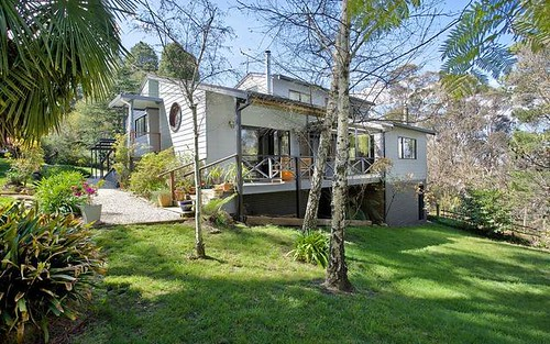 16 Farnells Road, Katoomba NSW 2780