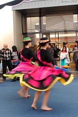 Danza / Dance (Javiera C) Tags: coronel chile baile danza dance bailarín bailarina dancer people gente música color music traje bailetradicional traditionaldance latinoamérica latinamerica movimiento movement costume