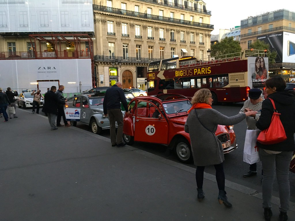 The world 39 s best photos of 2cv and de flickr hive mind for Garage peugeot paris 17