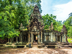 Just waiting (JoPMas) Tags: asia history khmer architecture archeological angkor temple cambodia